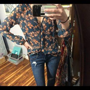 LUSH / XS floral blouse